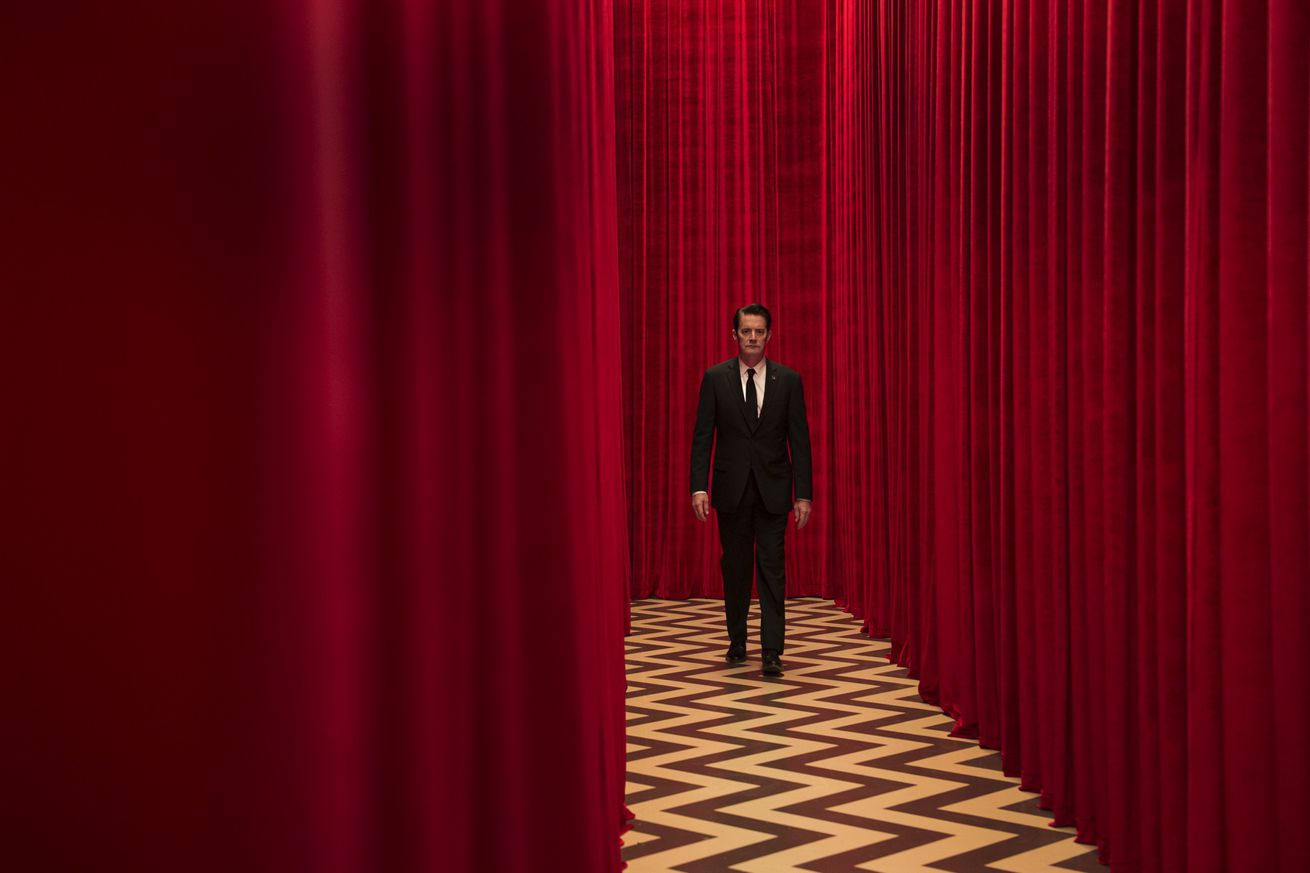 Question Club: Should the new season of Twin Peaks even be called Twin Peaks?