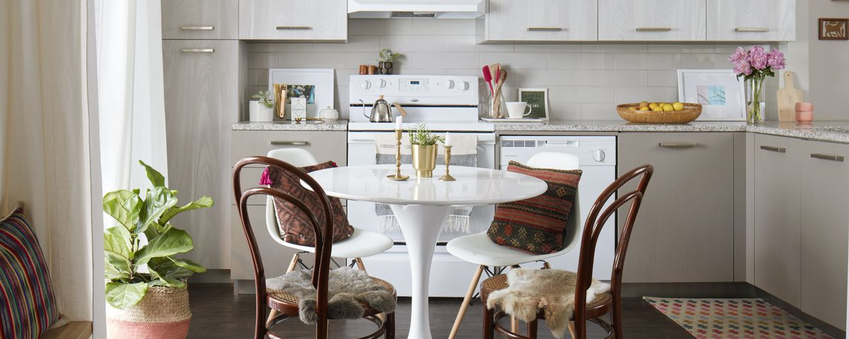 Grant Park Prop Stylists Home Offers Clean Slate For