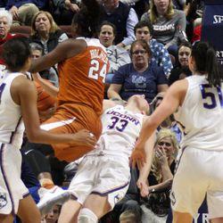 Texas Longhorns vs UConn Huskies