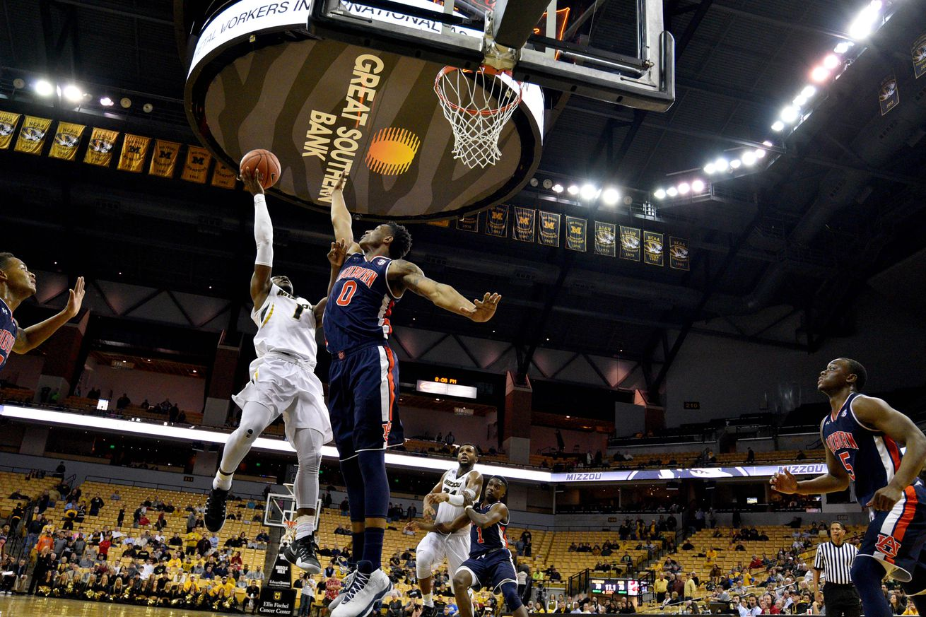 Puryear's OT buzzer beater gives Mizzou SEC tourney win over Auburn