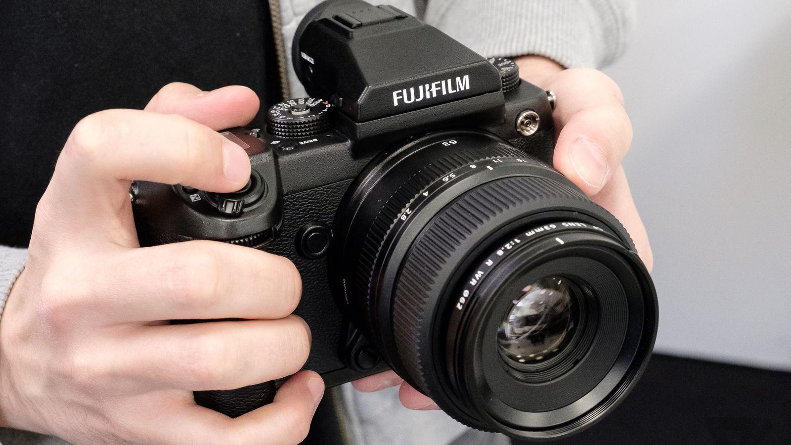 Fujifilm s first medium format mirrorless camera arrives for Web tv camera