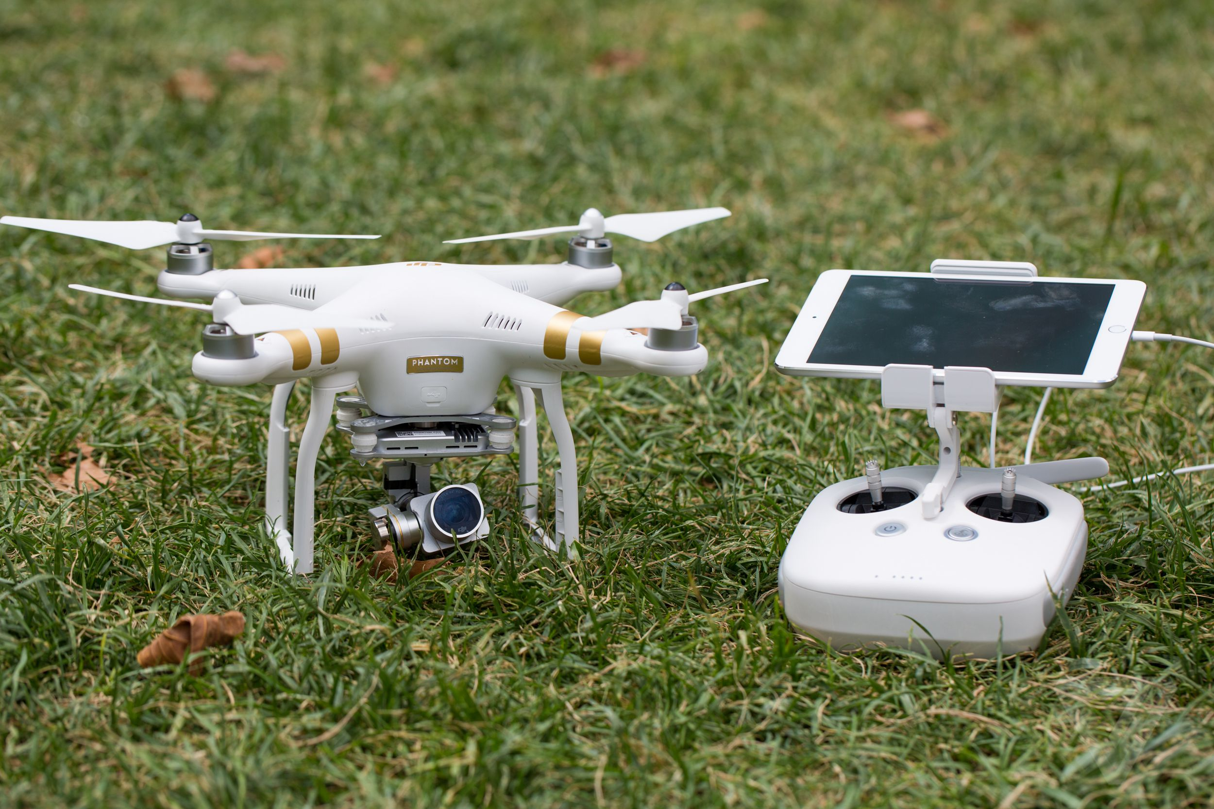 DJI Phantom 3 review: the best drone you can buy just got ...
