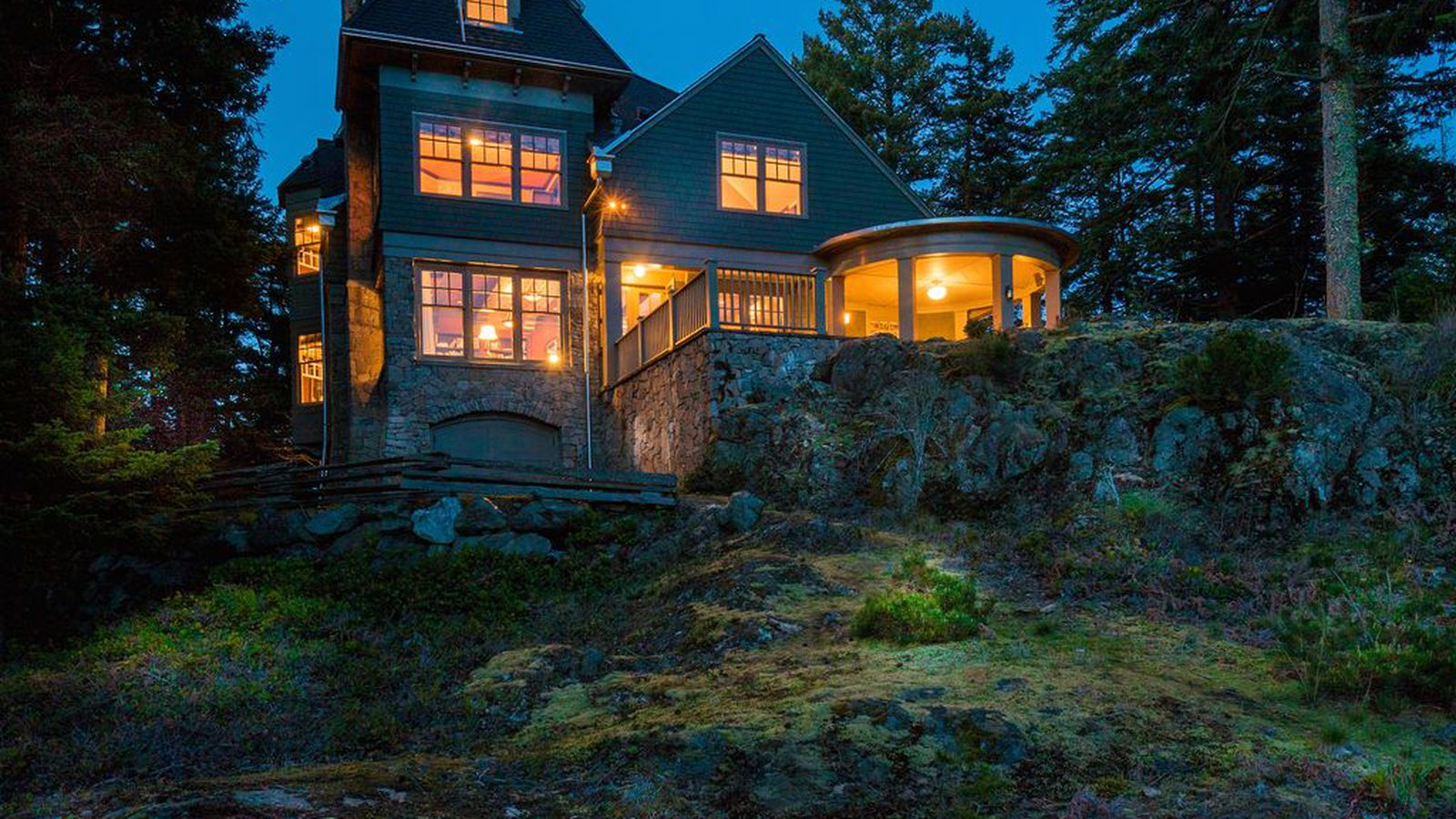 Retreat to a 2 5m orcas island estate curbed seattle for Homes for sale orcas island wa