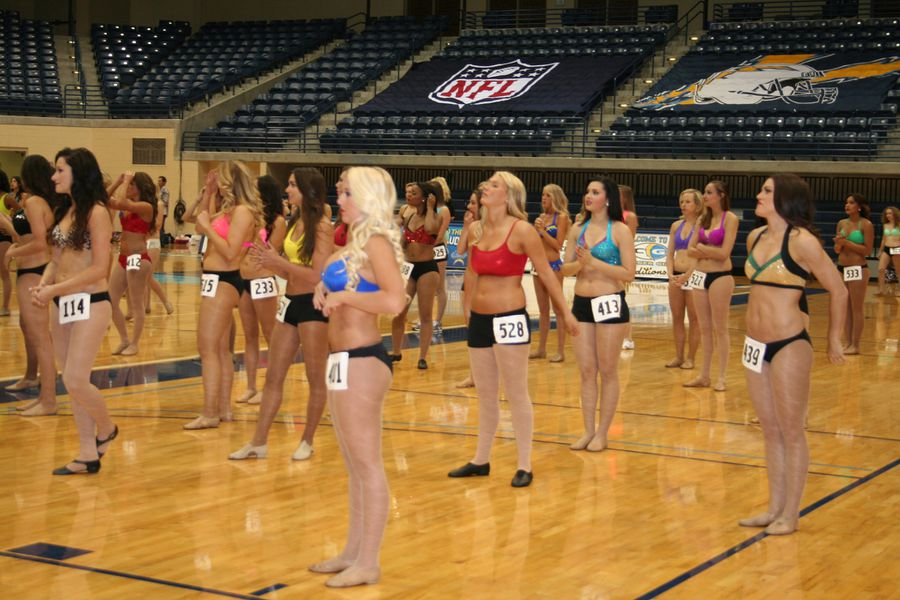 Charger Girls Auditions Meet Girls From Day 1 Bolts