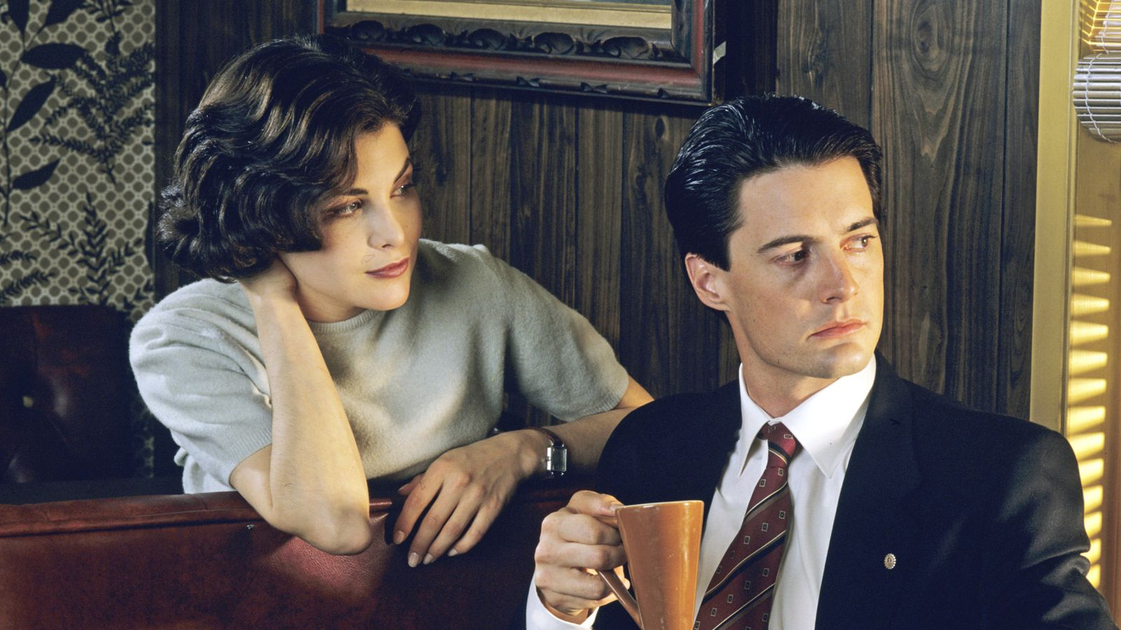 Catch up with Twin Peaks in three minutes before the third season