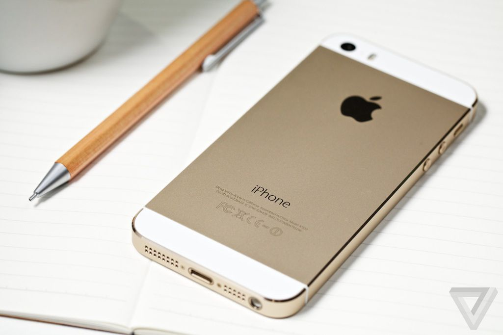 iphone 5s review the verge. Black Bedroom Furniture Sets. Home Design Ideas