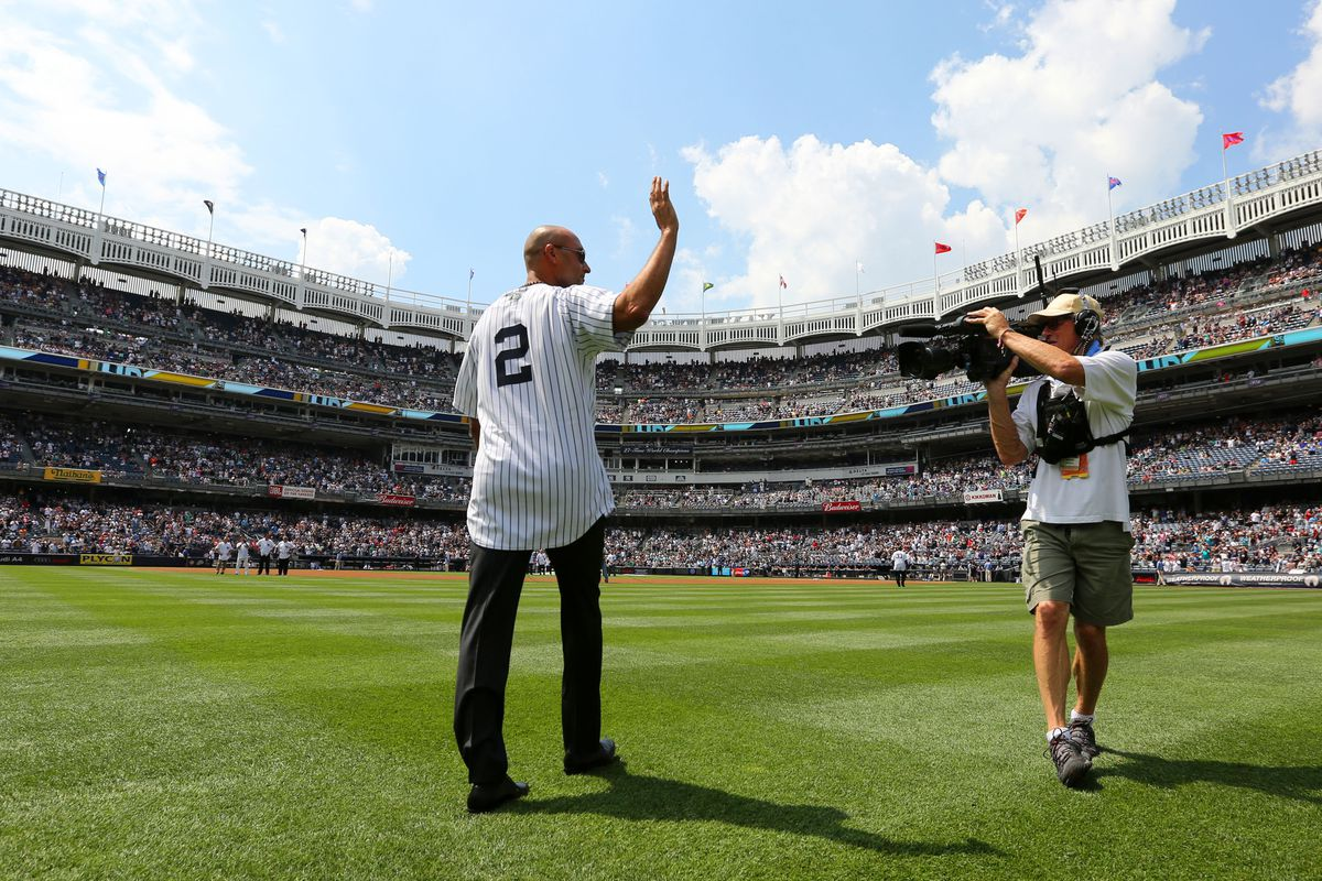 Derek Jeter interested in purchasing the Marlins