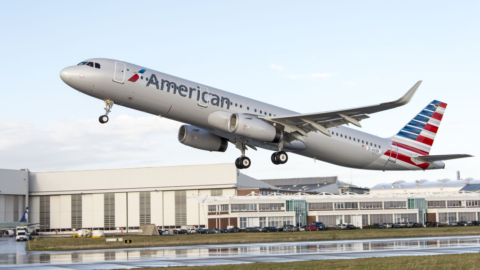 American Airlines accidentally used the wrong plane to fly ... American Airlines