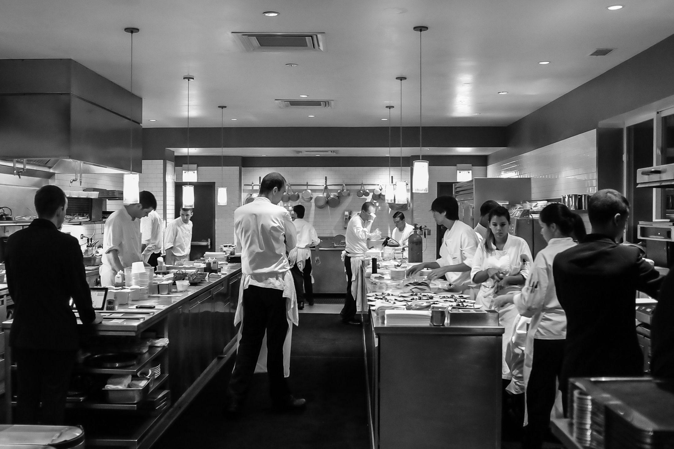 The national eater 38 where to eat in 2015 eater for Alinea cuisine origin