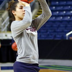 UConn's Kia Nurse shoots during a drill during their Sweet 16 practice.<br>