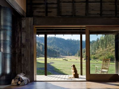 Barn, transformed, becomes gorgeous rustic home in Pacific Northwest