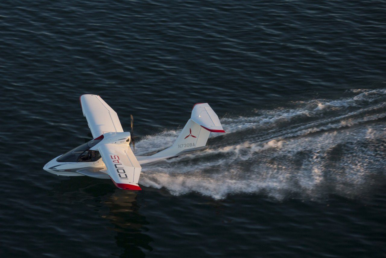 Flying The Seaplane Of The Future The Icon A5 The Verge