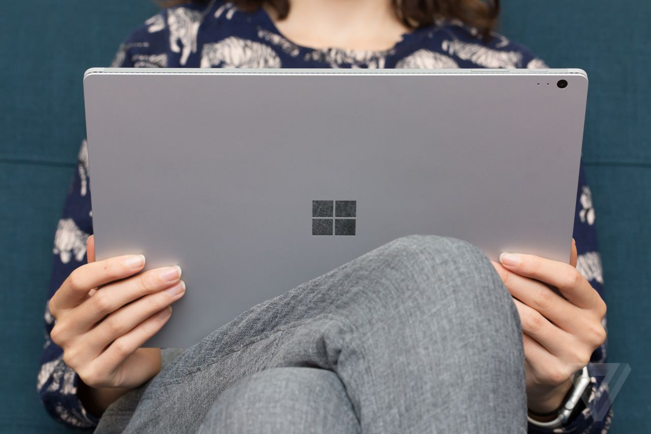Microsoft giving Xbox One free to those who buy Surface Pro 4
