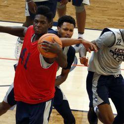 UConn Huskies men's basketball practice