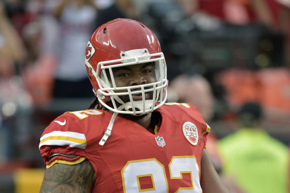 Dontari Poe close to signing with Colts