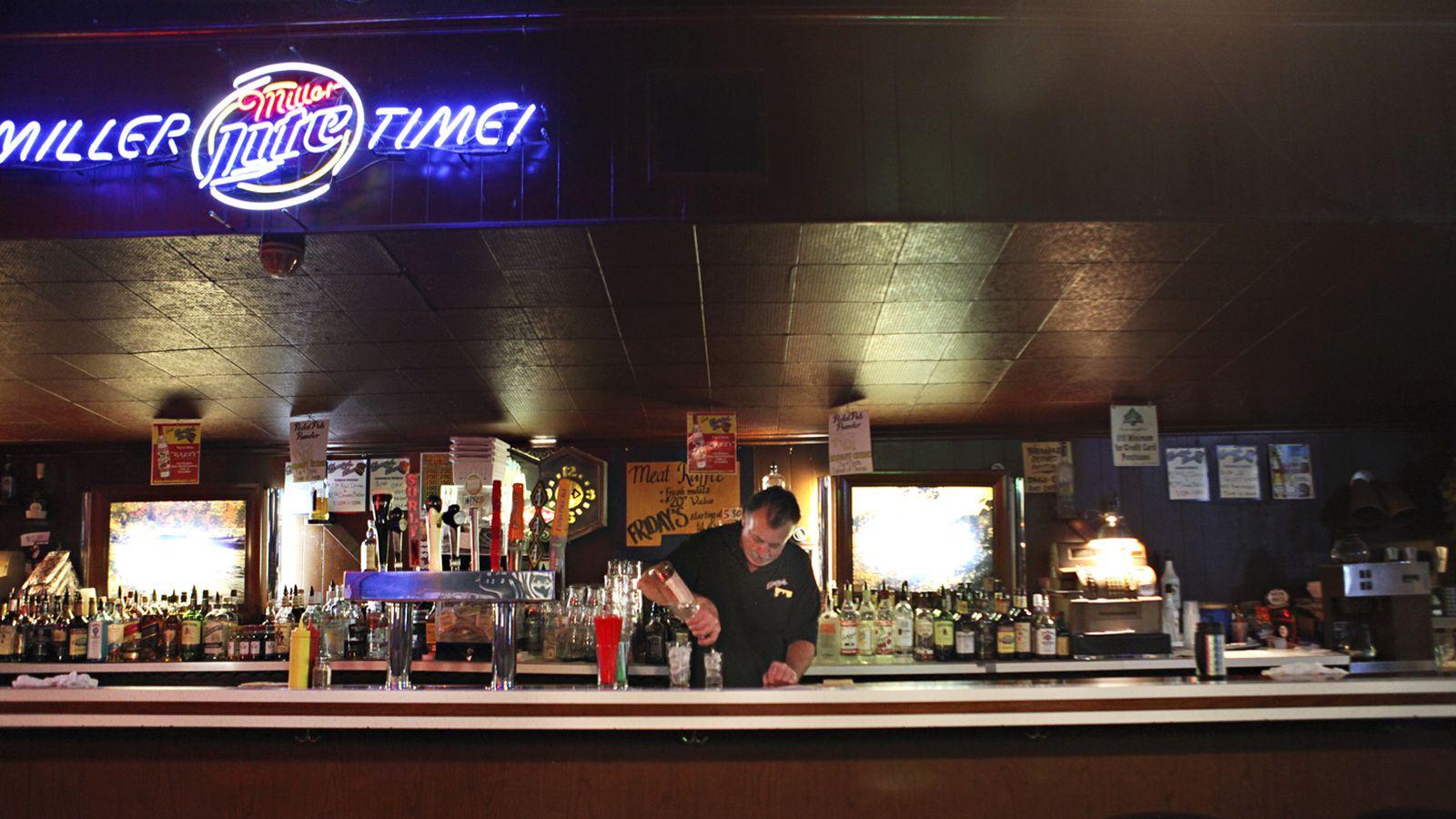 14 Dive Bar Icons Of Northeast Minneapolis Eater Minneapolis