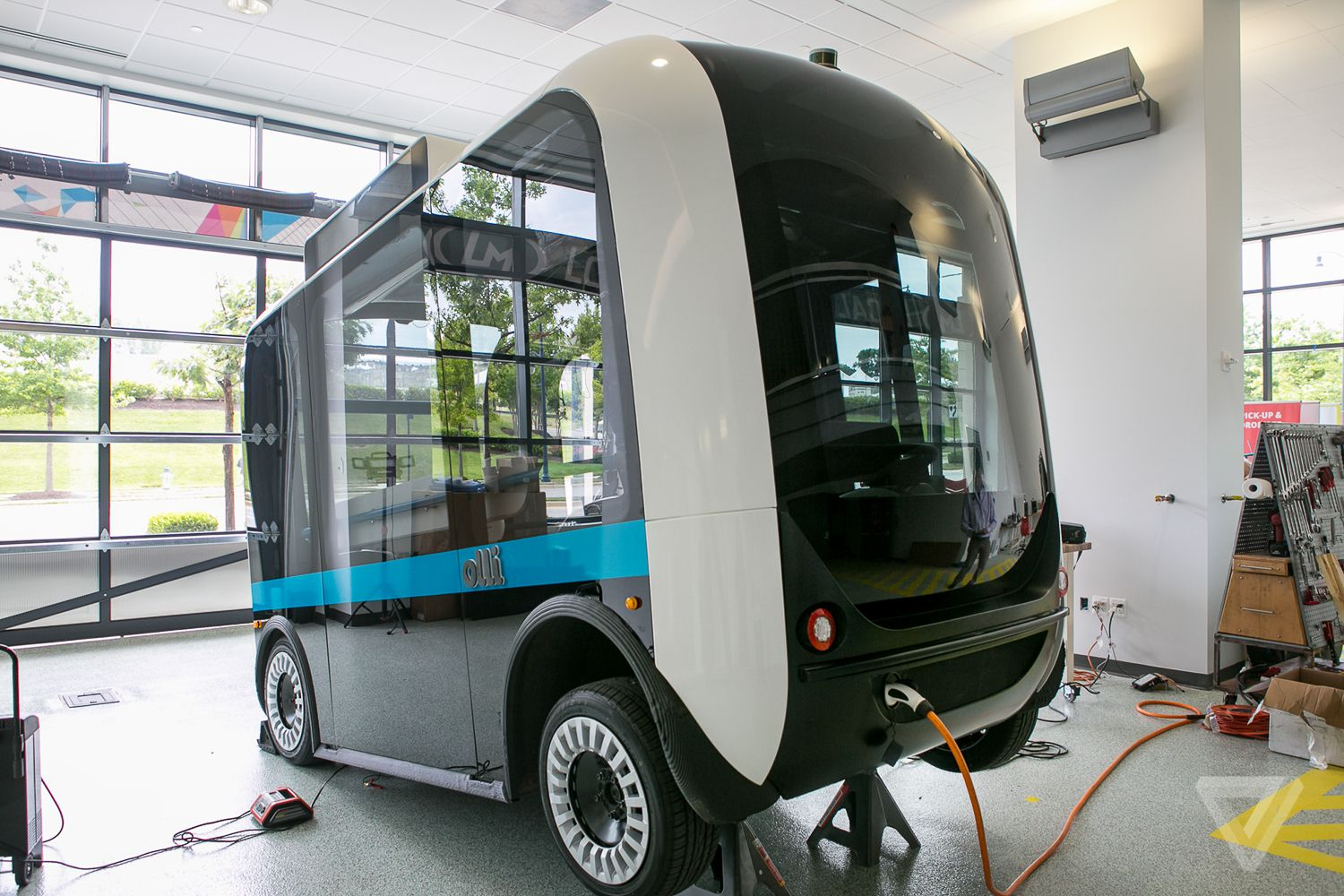 Knoxville Used Cars >> This autonomous, 3D-printed bus starts giving rides in ...