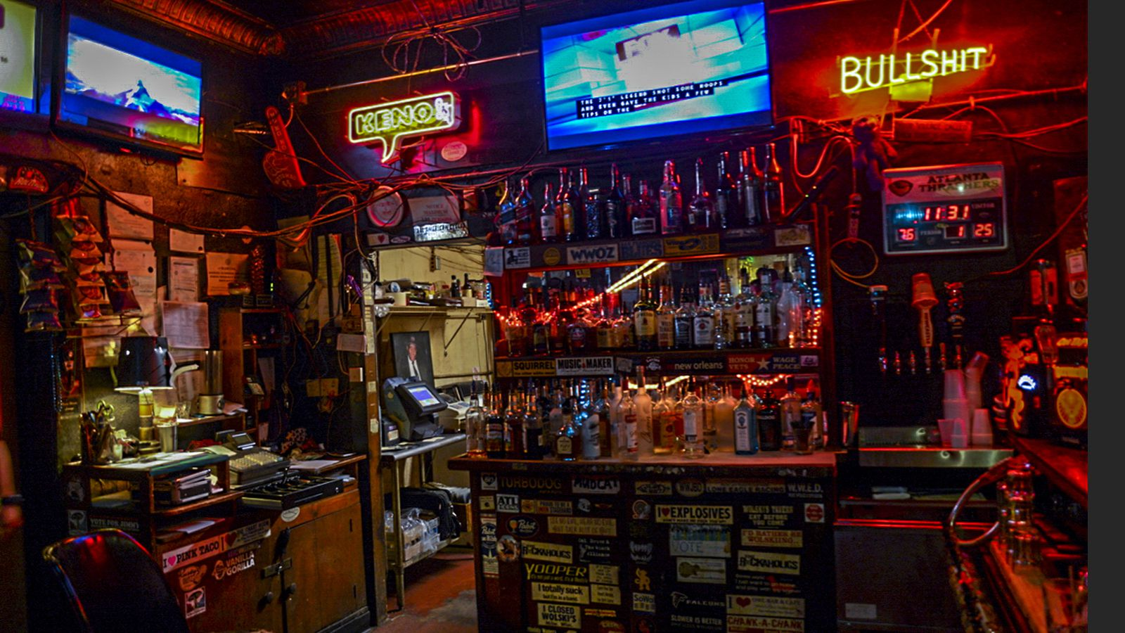 10 atlanta dive bars for all your valentine 39 s day needs - Image of bar ...
