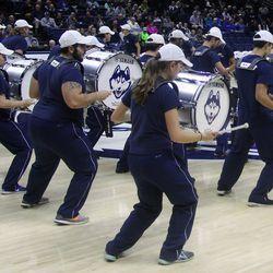 DePaul Blue Demons vs UConn Huskies