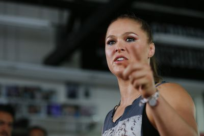 community news, Ronda Rousey, coach deflect questions about mothers negative comments