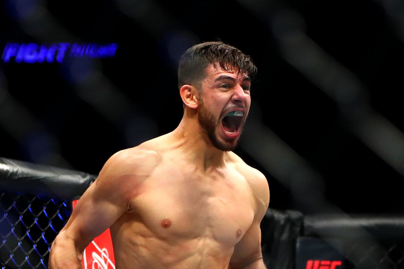 Yair Rodriguez isnt going to trash Conor McGregor, but will go kick his ass