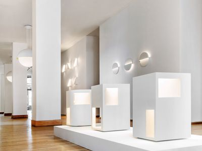 Richard Meier launches minimalist, all-white lighting