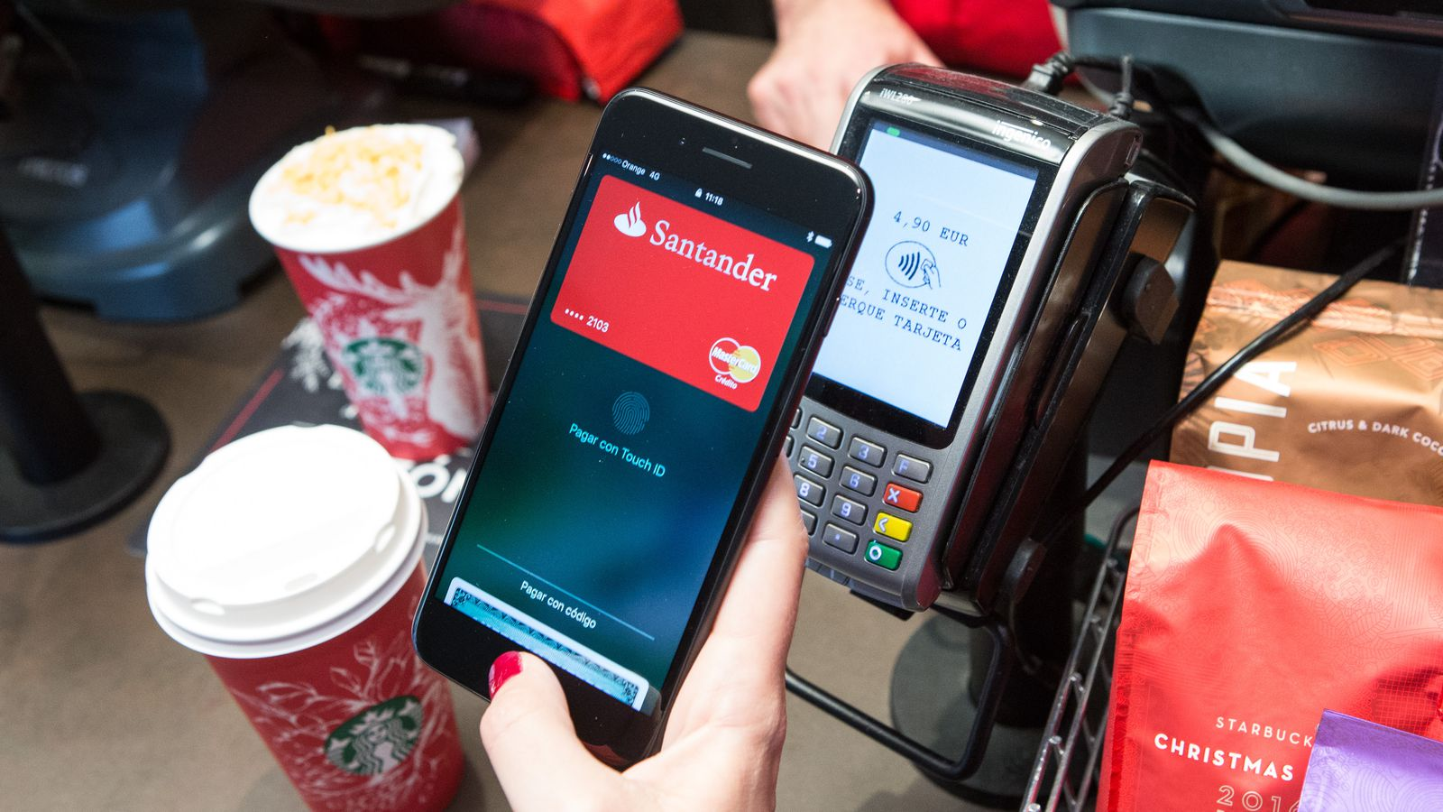 35 percent of US merchants accept Apple Pay