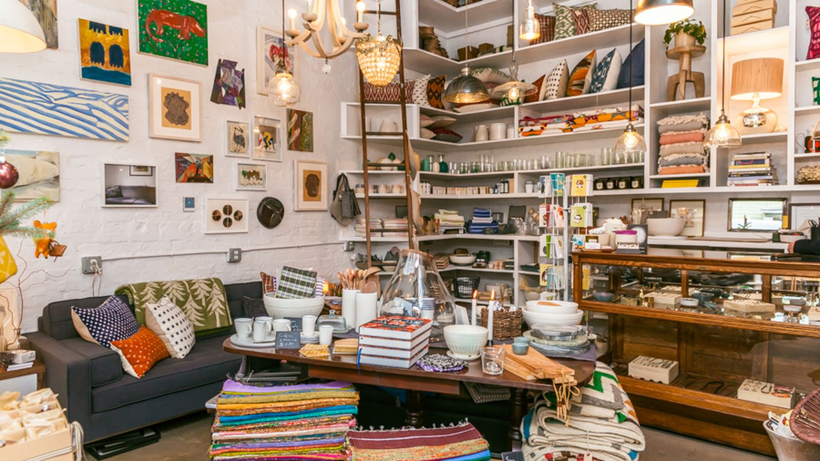 Deck the dorm 14 places for affordable home goods in nyc for Affordable home goods