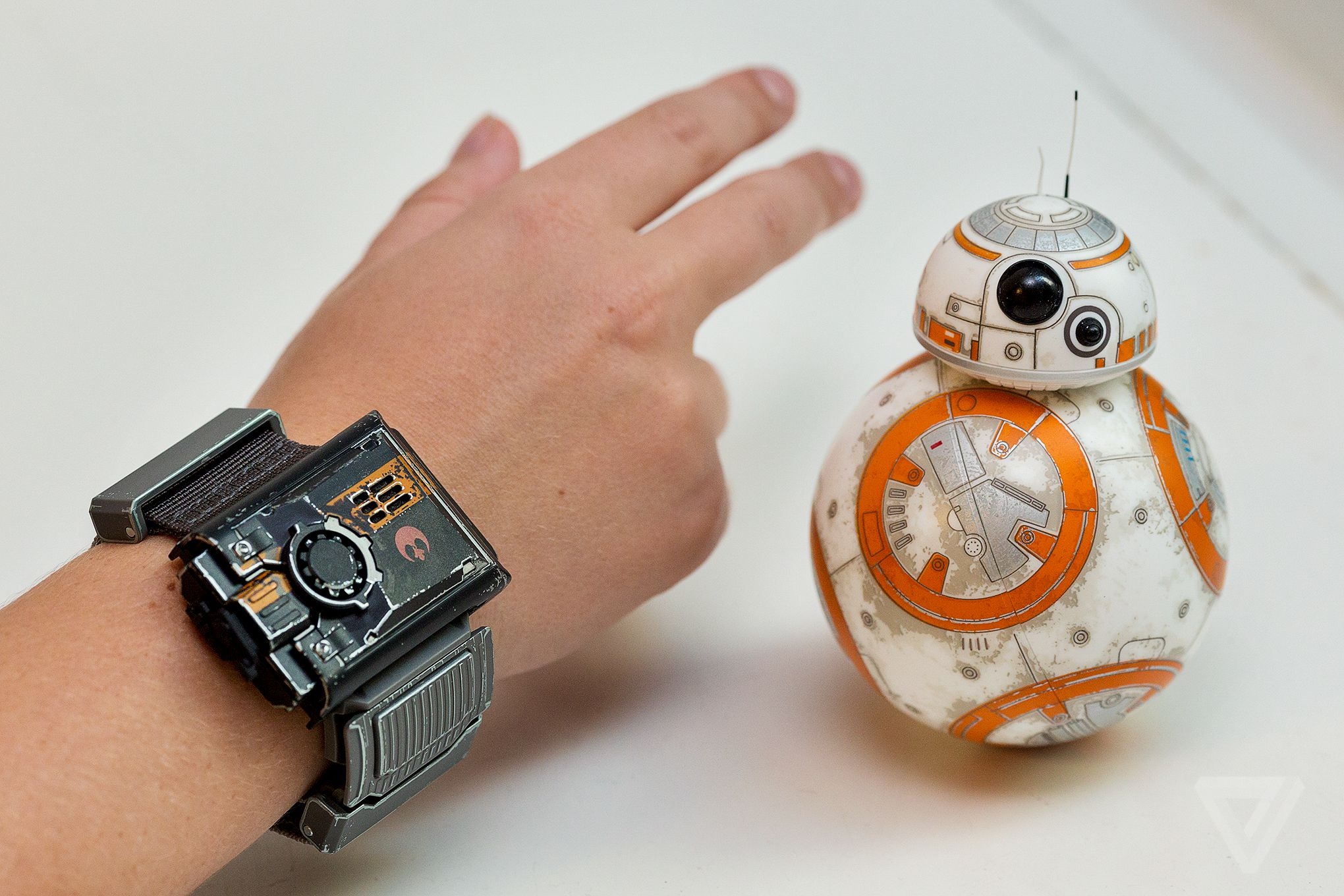 Sphero announces Force Band wearable device and special editon BB-8 Droid