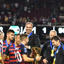 Bruce Arena <strong>does</strong> smile!