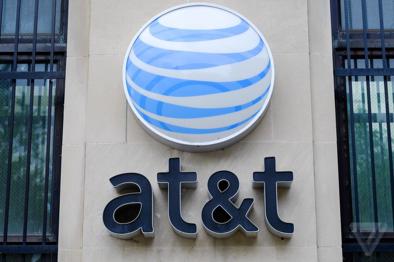 AT&T sues Louisville to stop Google Fiber from using its utility poles