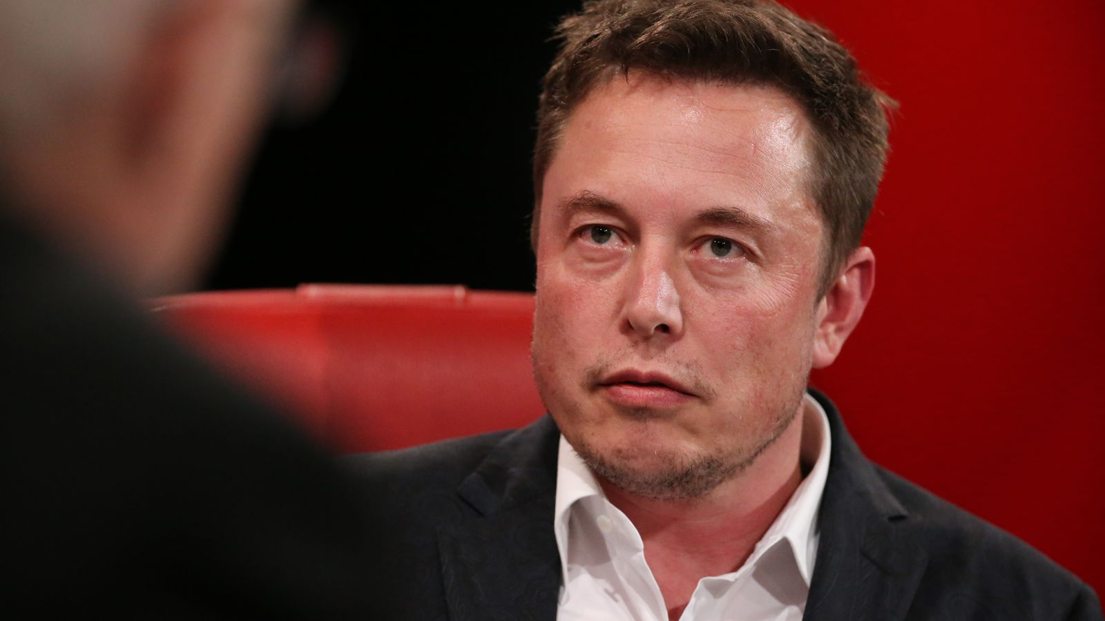 Elon Musk: negative media coverage of autonomous vehicles could be 'killing people' - The Verge