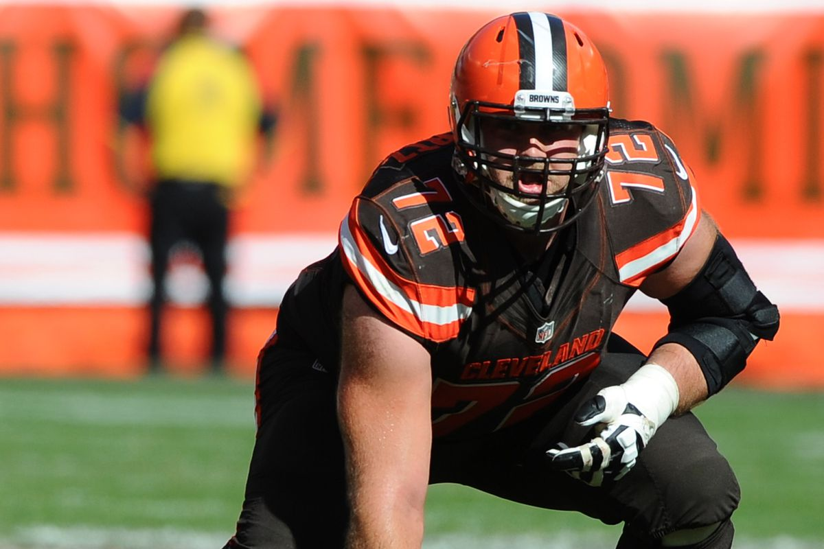 chiefs land ot mitchell schwartz year deal after browns ken blaze usa today sports