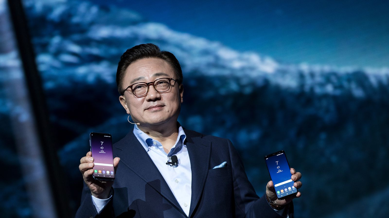 Is it Safe to Buy Samsung's New Galaxy S8 Phone?