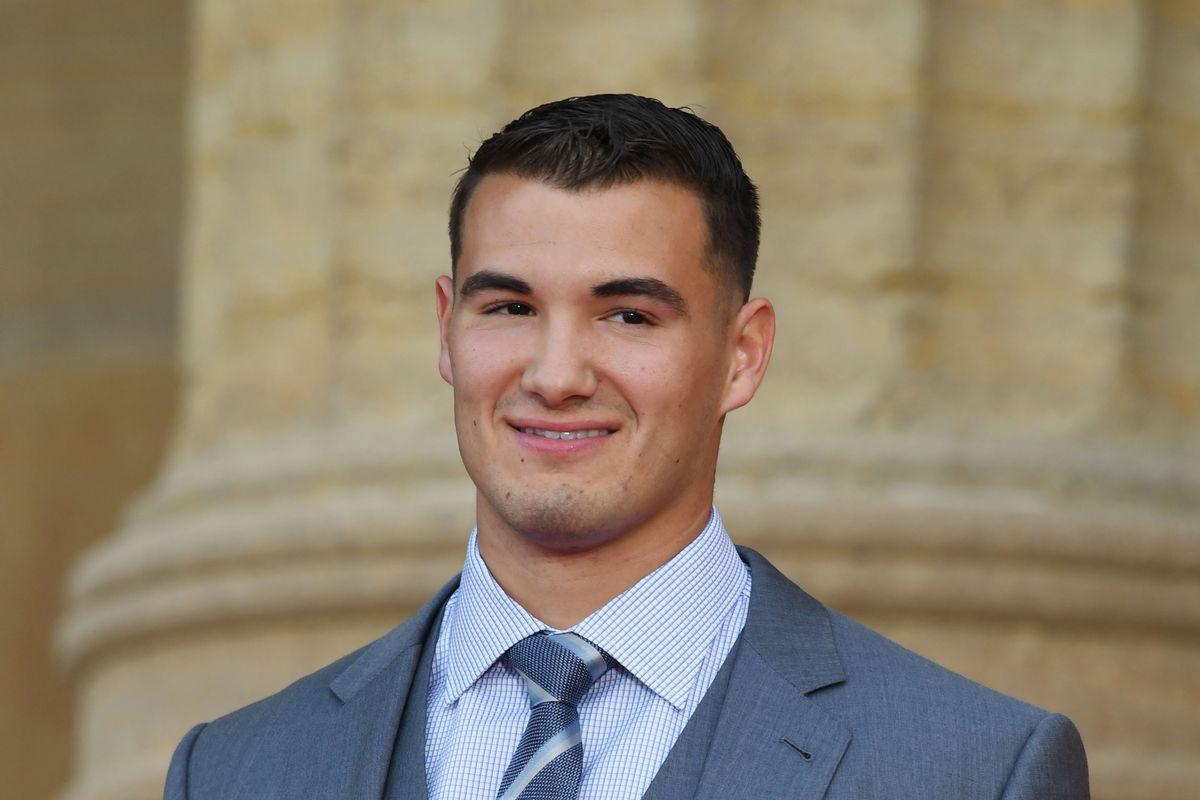 Chicago Bears deal again, take D-II TE Adam Shaheen