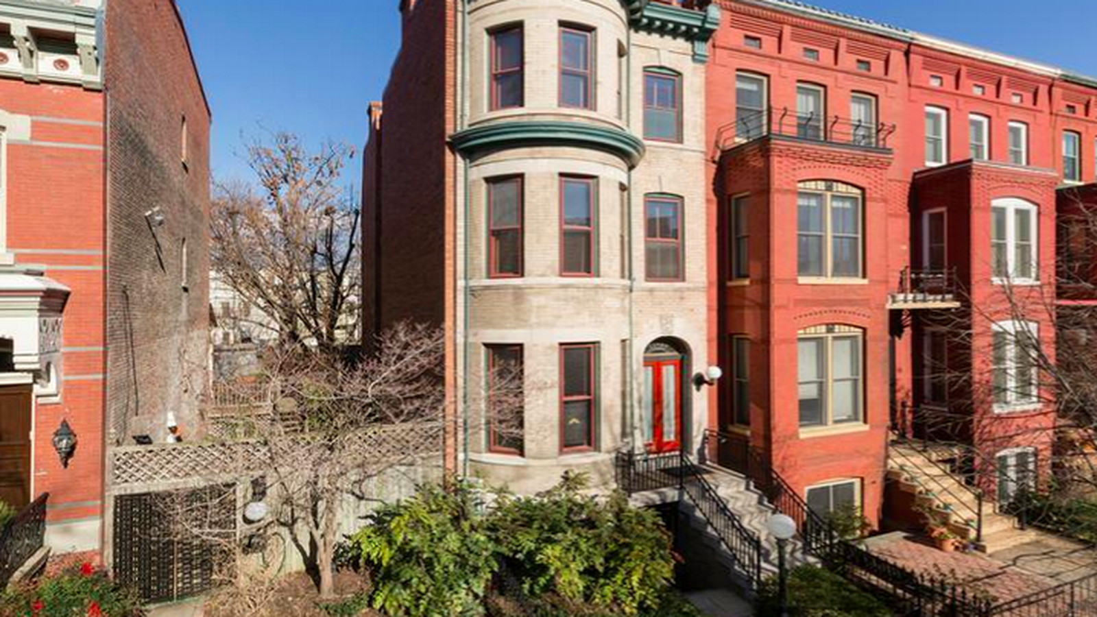 You can buy logan circle 39 s 39 gay bed breakfast 39 for 2 5m for Buy house in dc