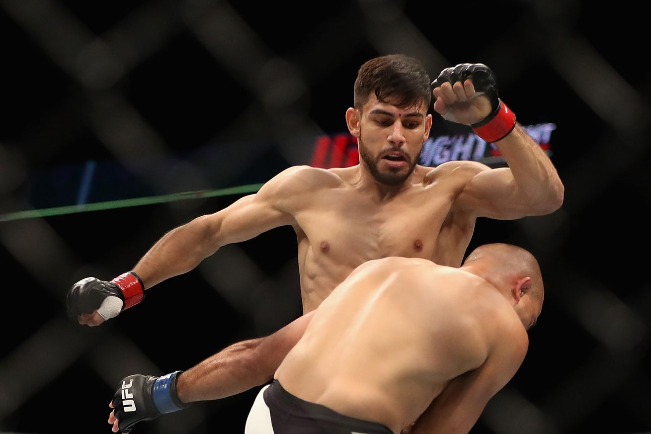 Yair Rodriguez earns a $50,000 bonus for demolition of BJ Penn