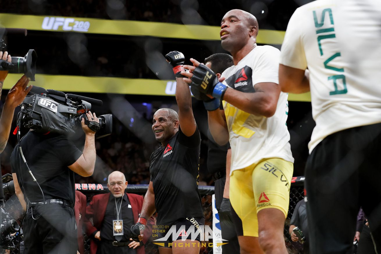 community news, Reebok payouts for UFC 200: Lesnar vs Hunt totals all time high $350,000