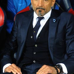 Luciano Spalletti head coach of FC Internazionale looks on prior the beginning of the Serie A match between Bologna FC and FC Internazionale at Stadio Renato Dall'Ara on September 19, 2017 in Bologna, Italy.