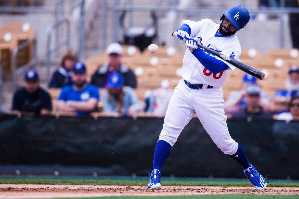 Yasiel Puig homers twice, Dodgers overpower Padres 10-2