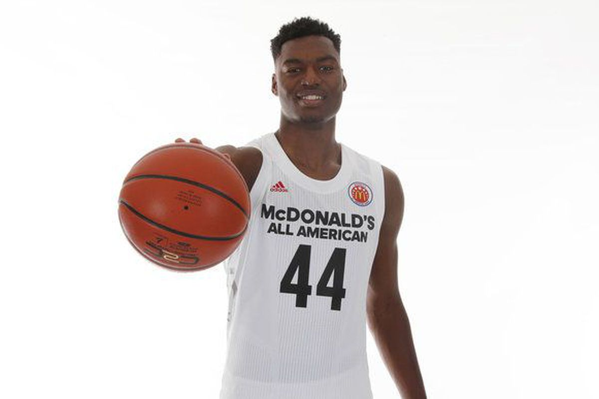 Center Brandon McCoy picks UNLV