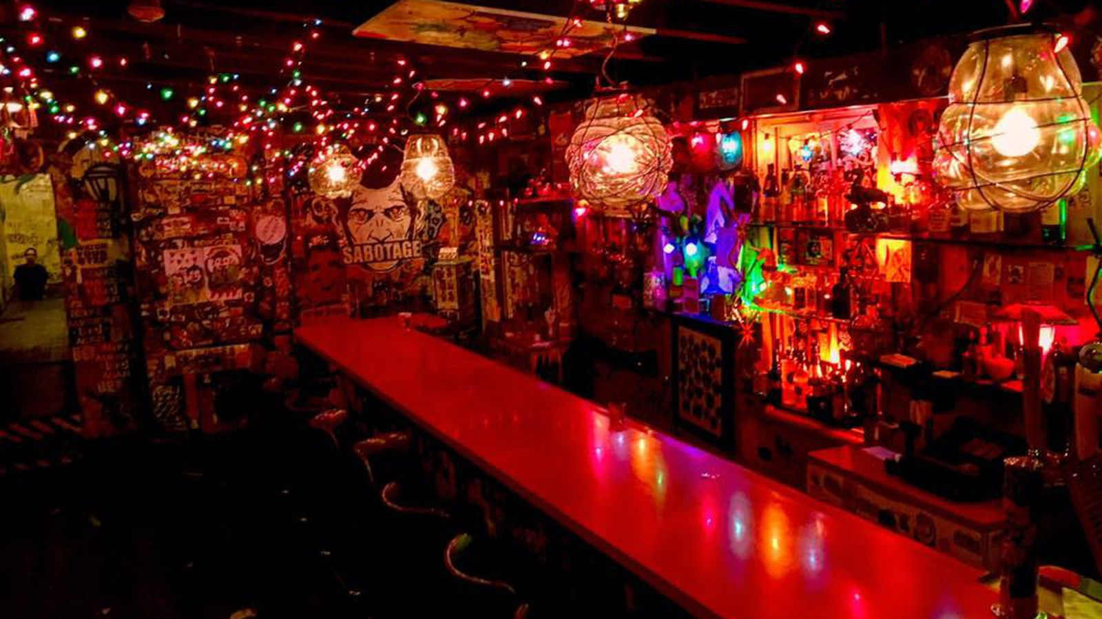 10 philly dive bars for dates or hangouts eater philly for Bar dive