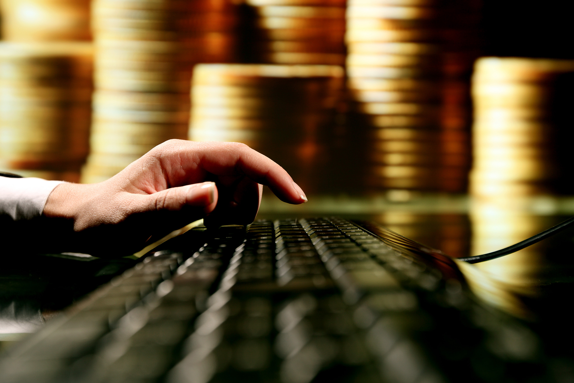 The promise of gold coins lured many to the internet. (Shutterstock)