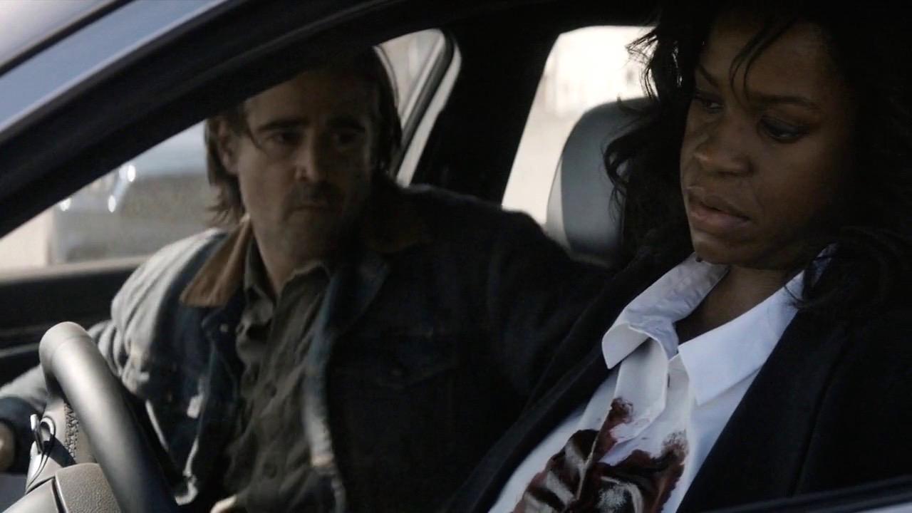 Ray discovers Davis' dead body