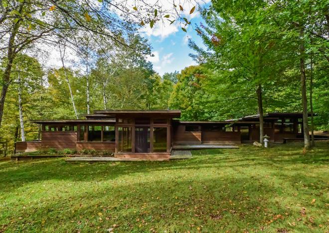 Stellar frank lloyd wright inspired michigan home asks for House plans frank lloyd wright inspired