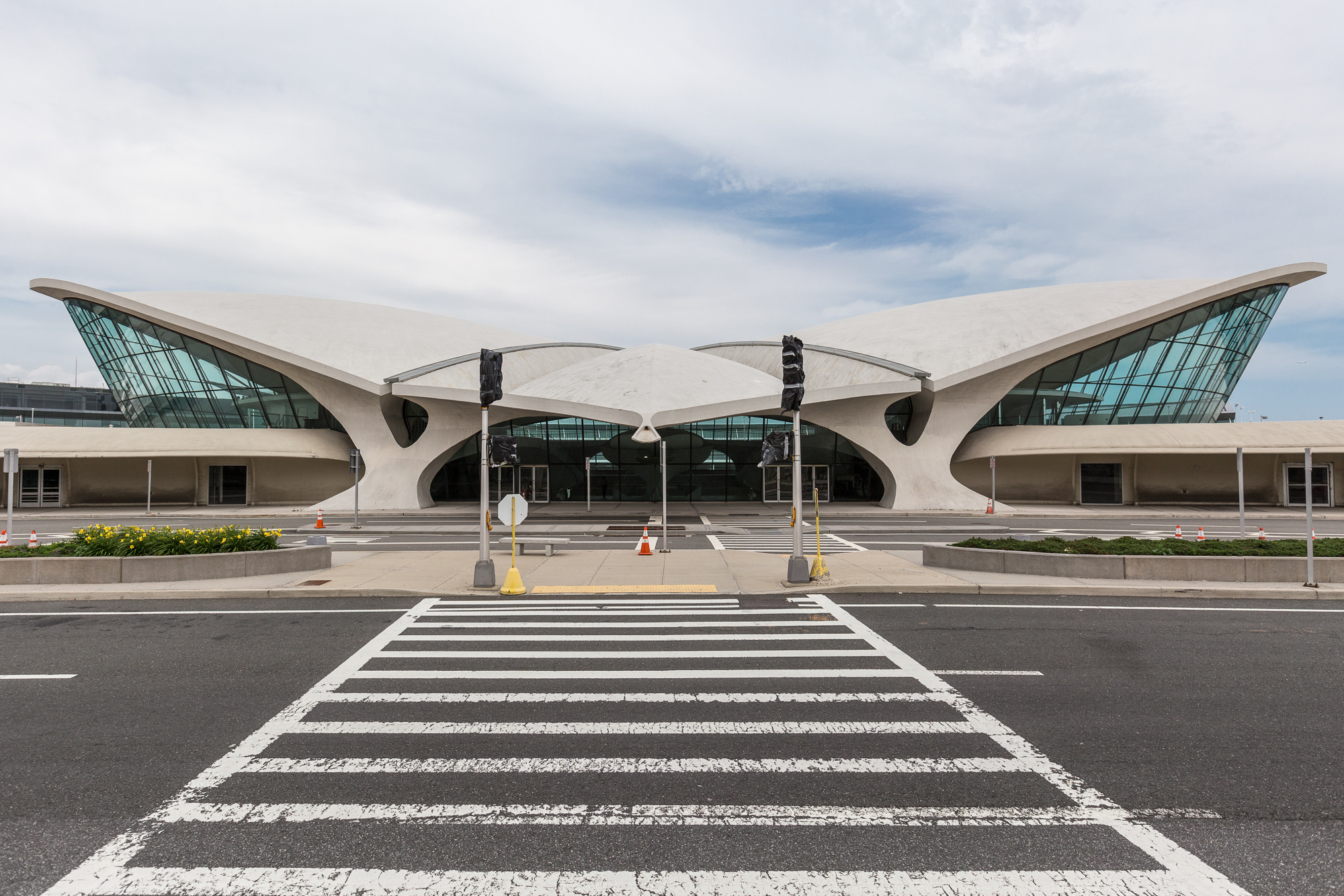 Explore the twa terminal a pristine time capsule from for Hotel at jfk terminal