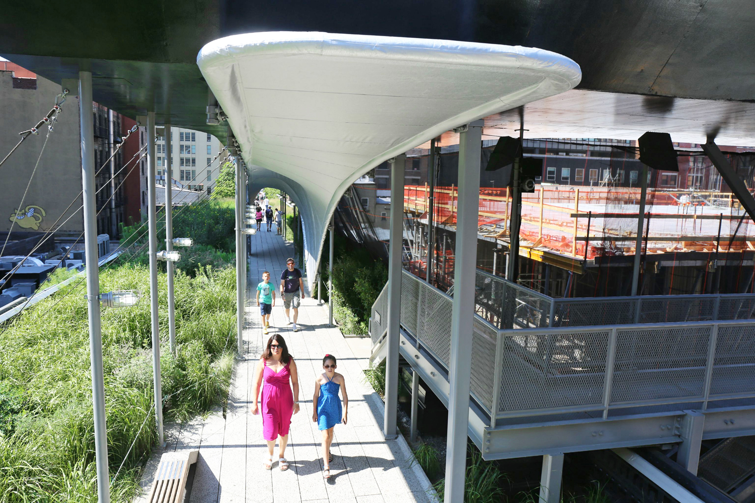 ^ Zaha Hadid Unveils a Swooping anopy Over the High Line - urbed NY