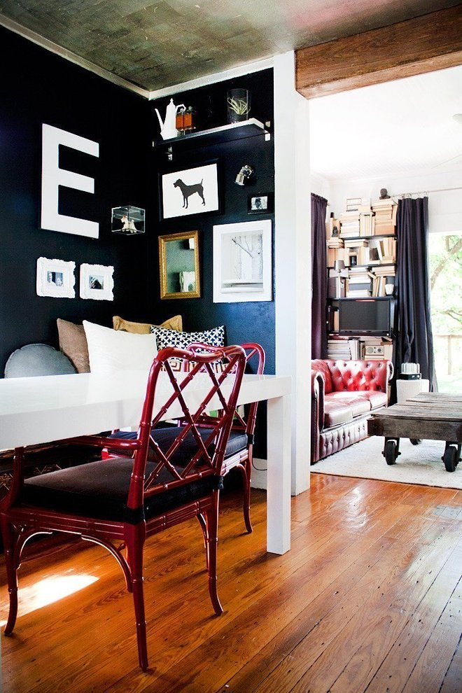 24 small spaces with wonderful maximalist decorating curbed for Apartment therapy bedroom ideas