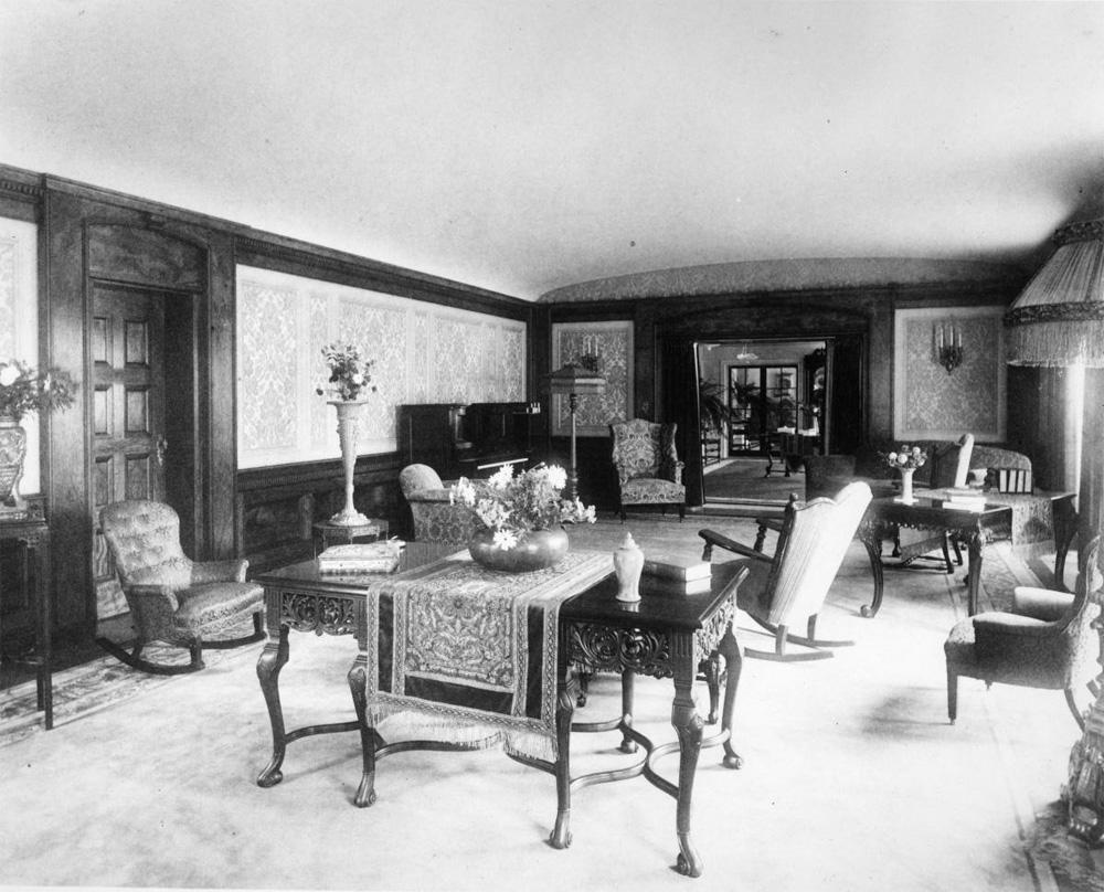 How pasadena 39 s wrigley mansion became tournament house for The family room pasadena