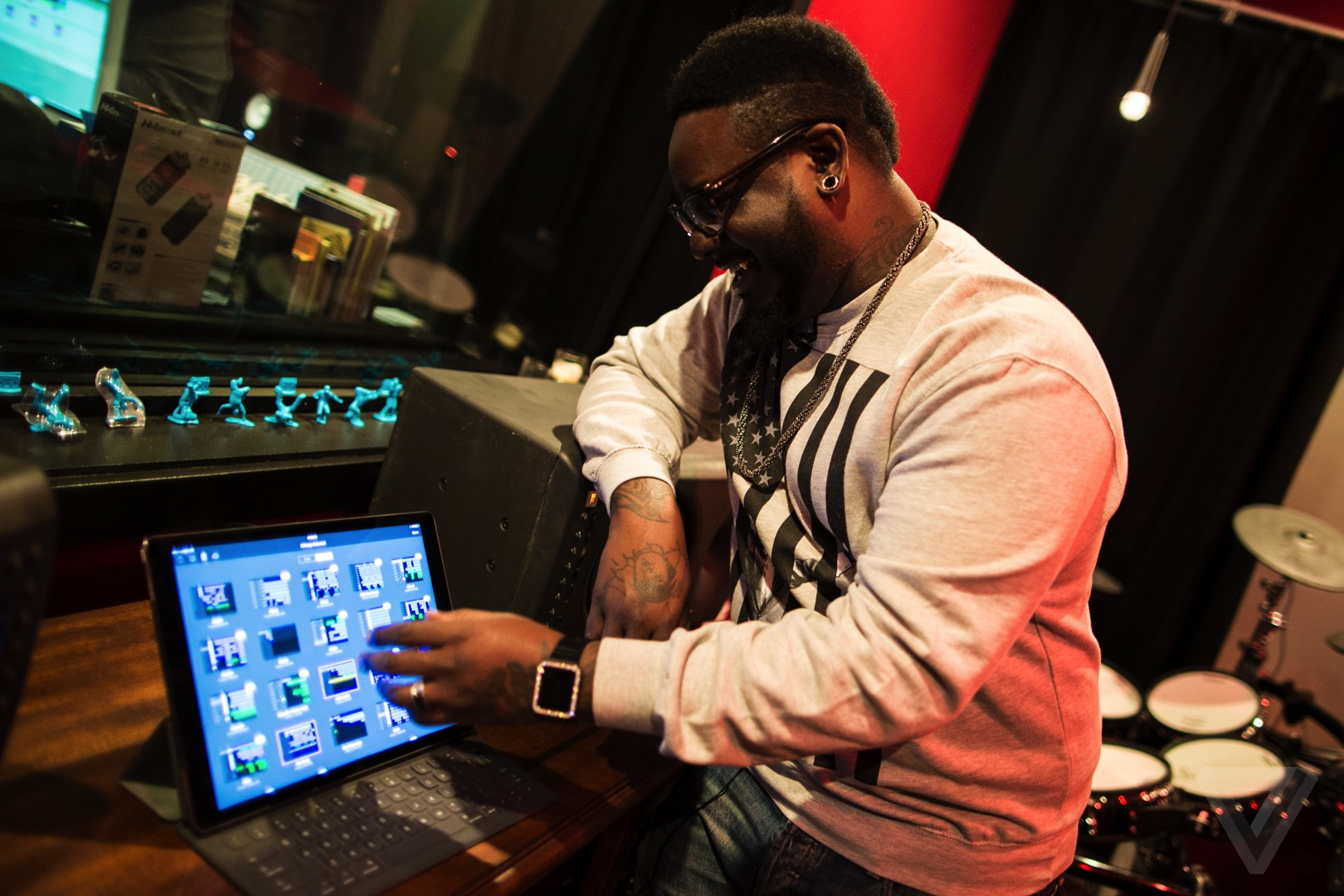 Exclusive T Pain Shows Us How To Use The New Garageband